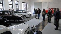 Przygotowanie wystawy Krakowskich automobili w Muzeum Inżynierii Miejskiej
